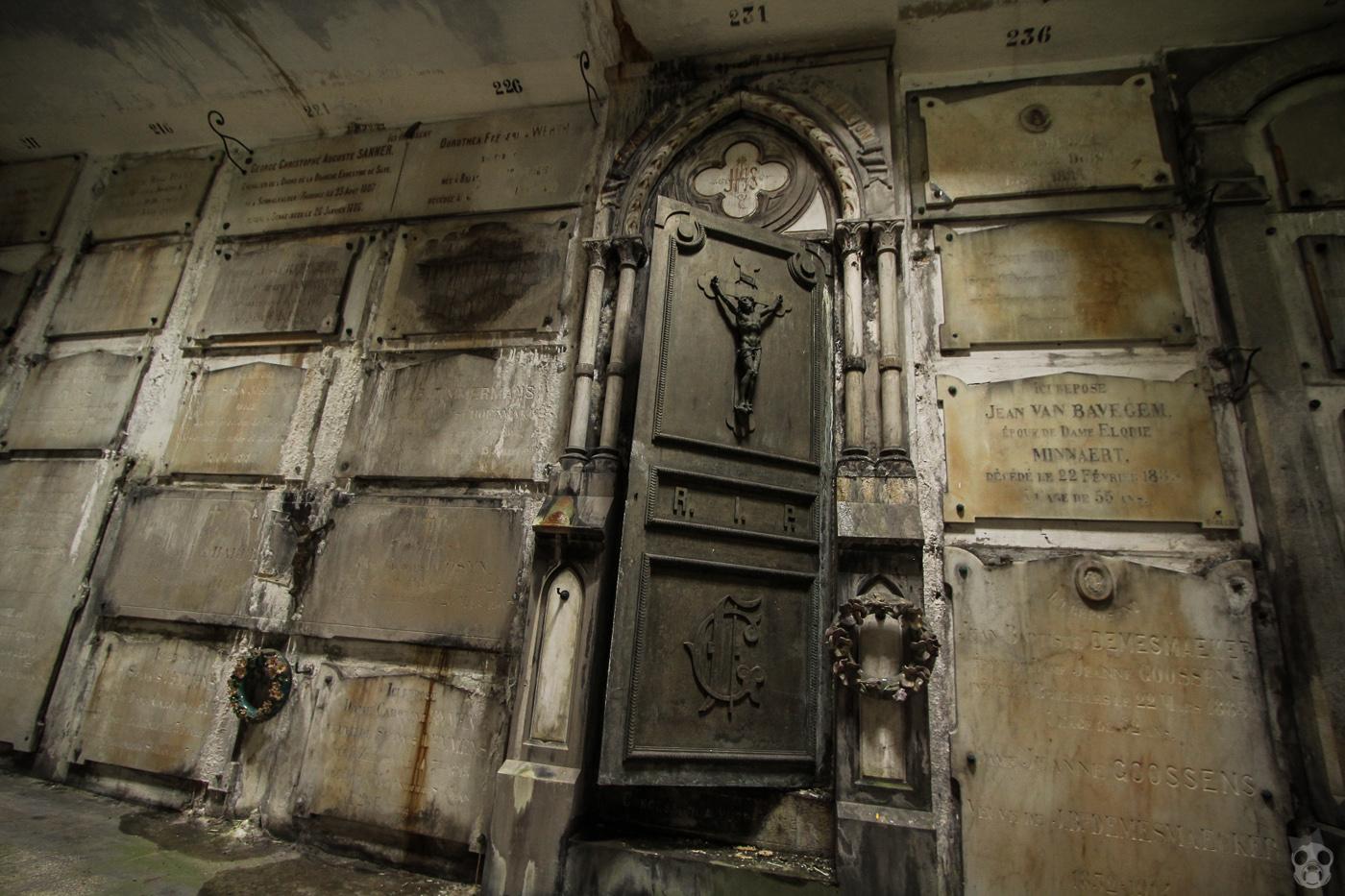 La Crypte Laeken  ラーケンの地下墓地