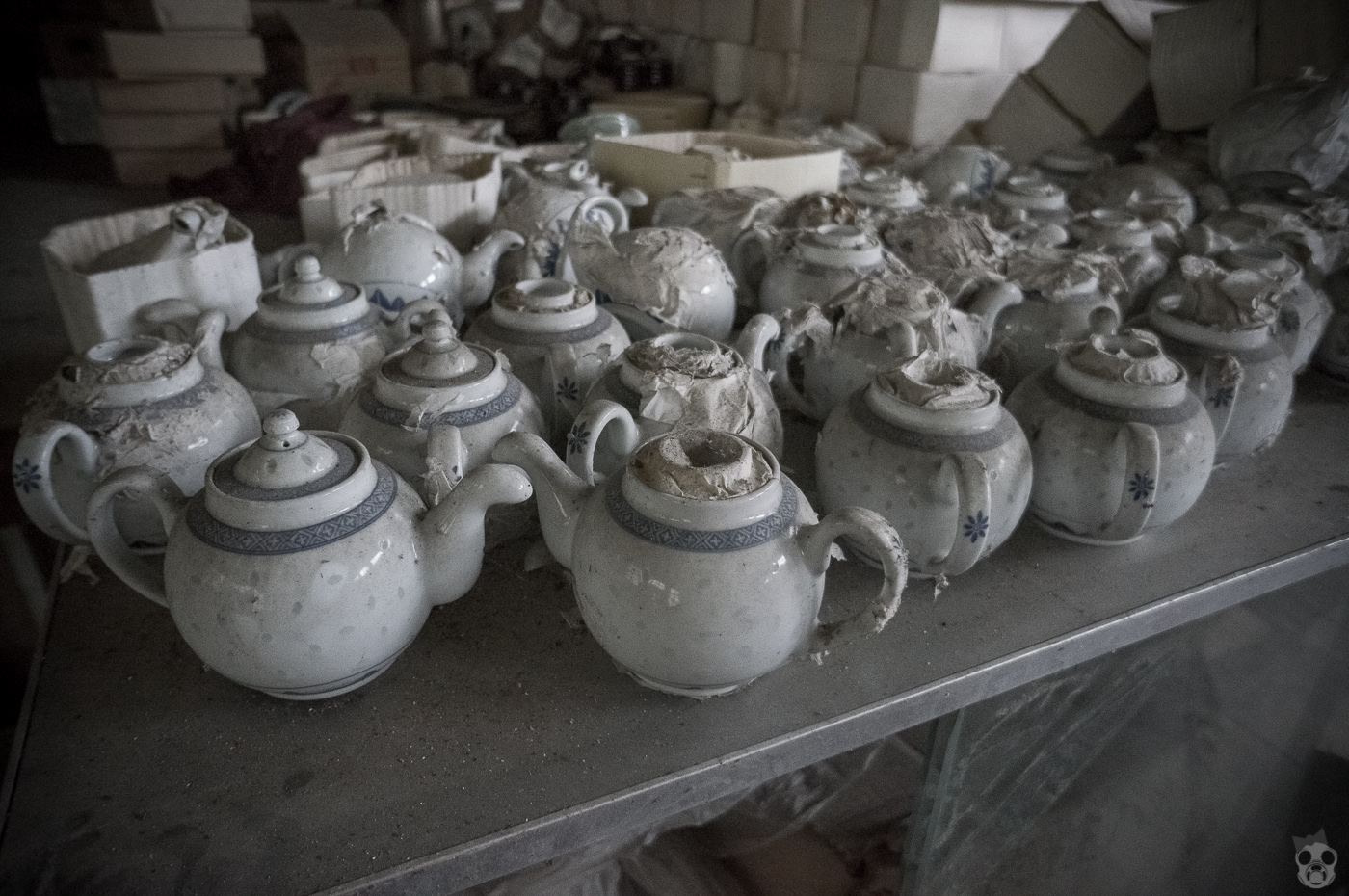 A Heaven School for Statues  石膏像のある廃校