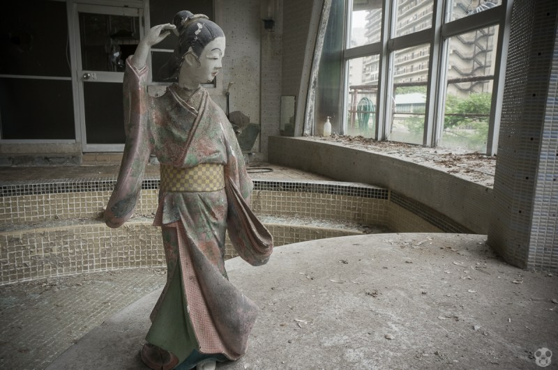 Abandoned Kappa Hot Spring Hotel かっぱ温泉 きぬ川館本店