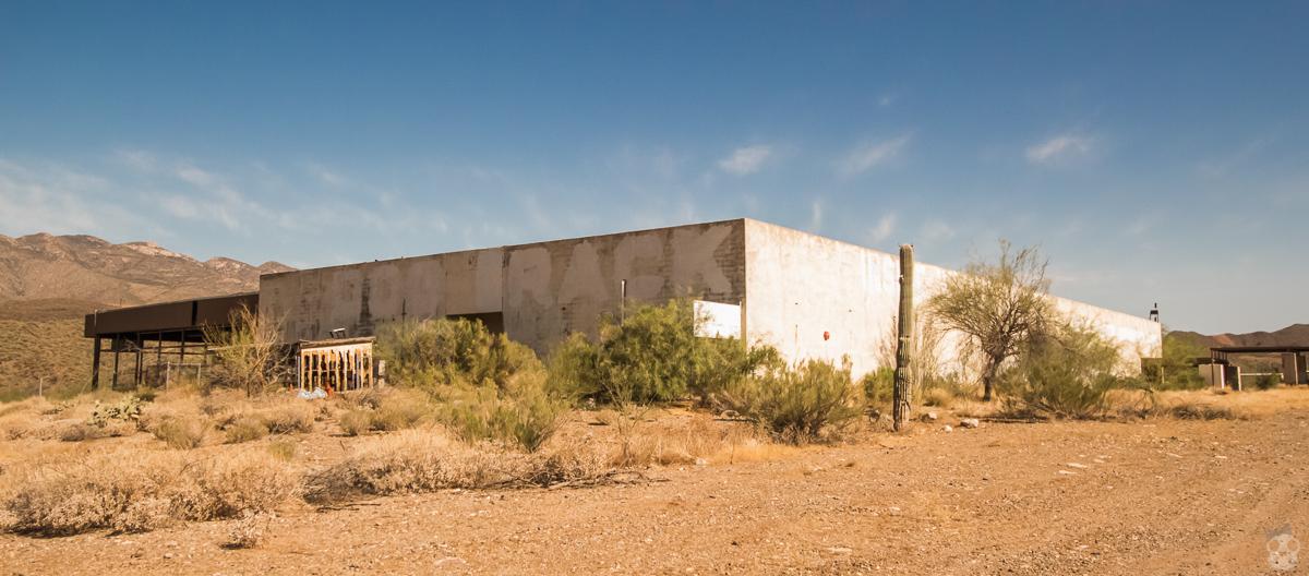 Abandoned Black Canyon Greyhound Park ; アメリカの廃墟 ブラック・キャニオン・グレーハウンド・パークを探る