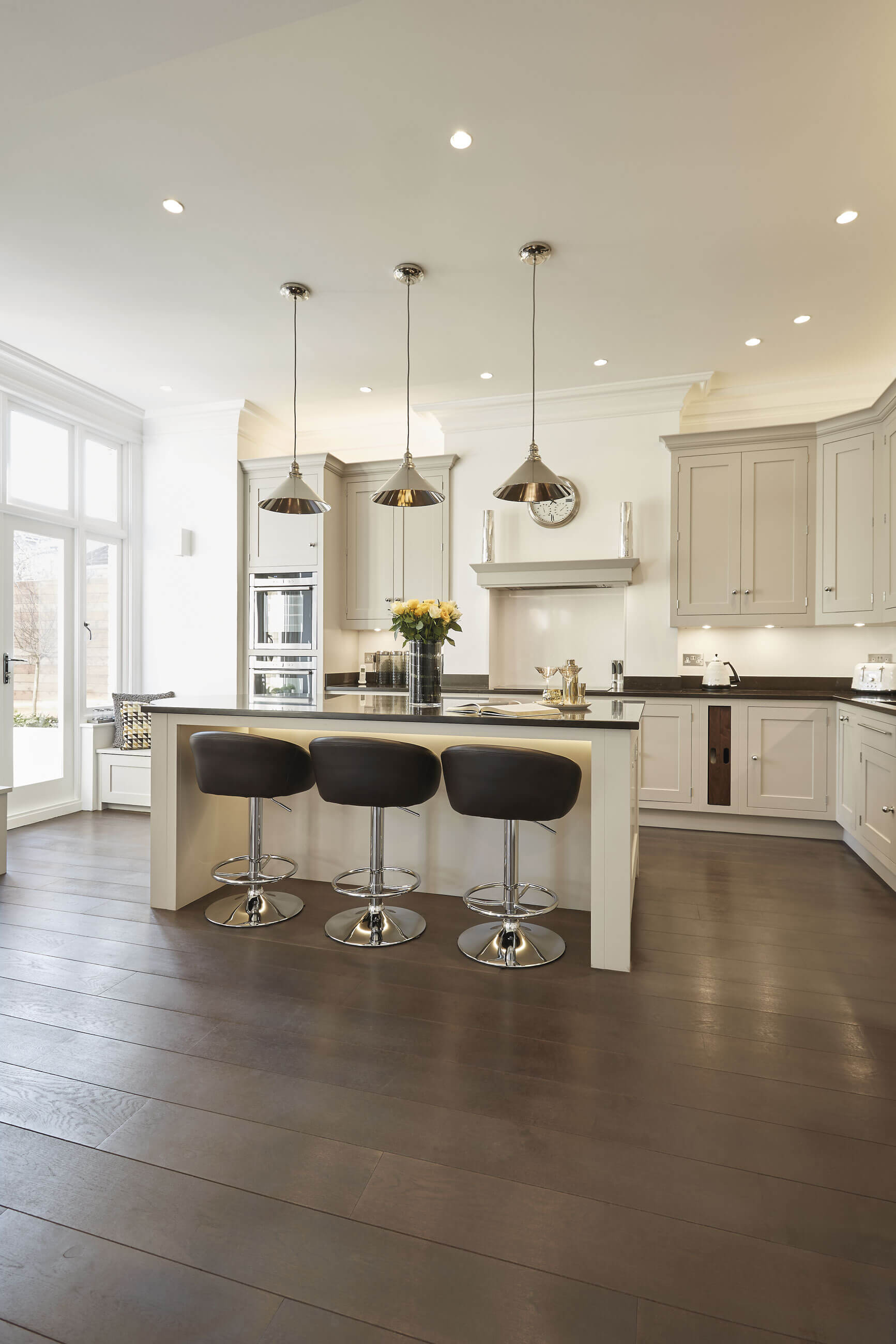 Luxury Contemporary Kitchen Tom Howley