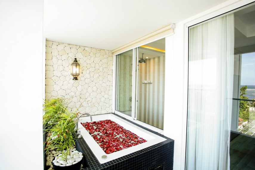 Jacuzzi Benoa Sea Suites