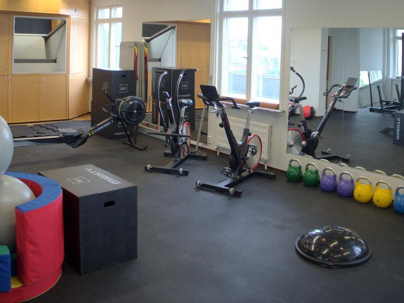 Valmennussali mahdollistaa monipuolisen liikunnan