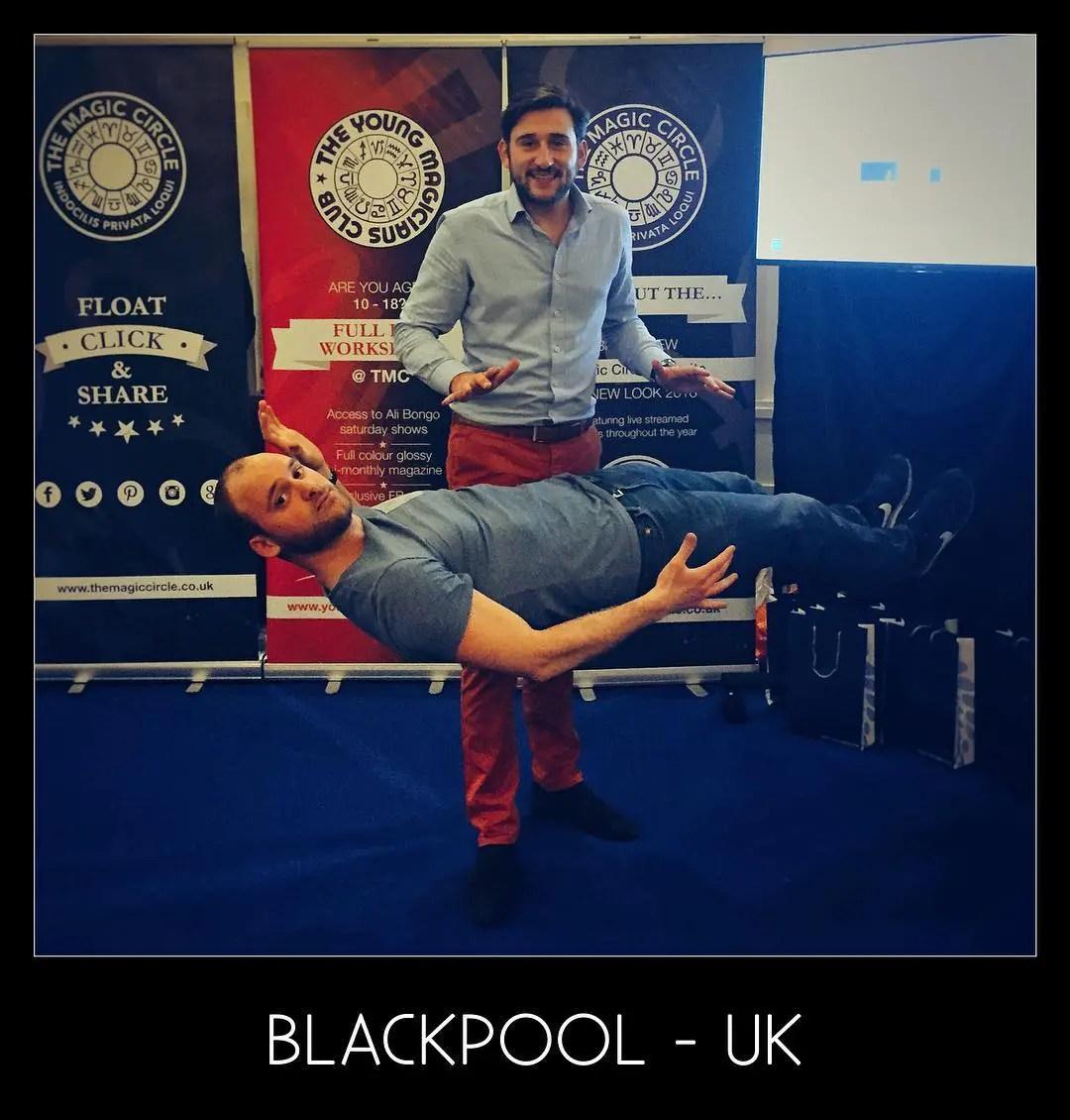 Tom Le Magicien - Flying Blackpool