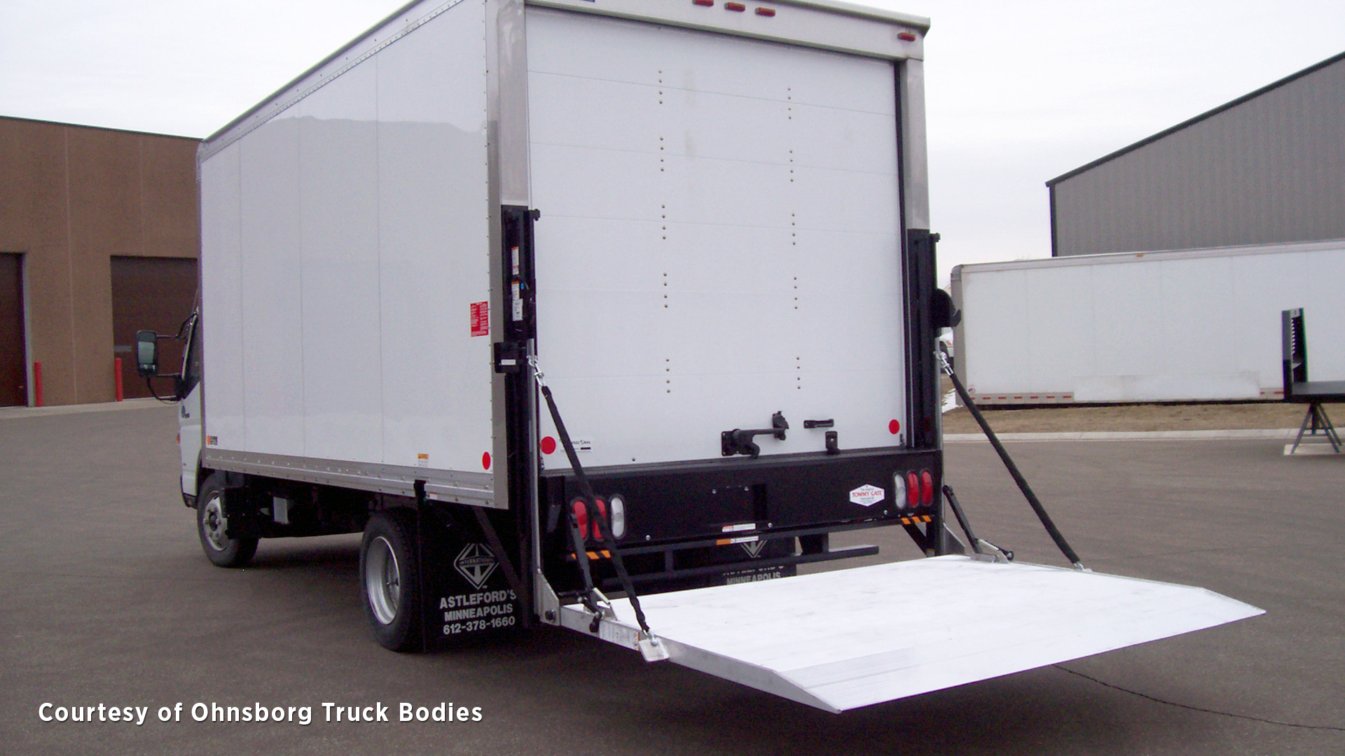 hight resolution of  liftgate for straight truck standard railgate in the down position