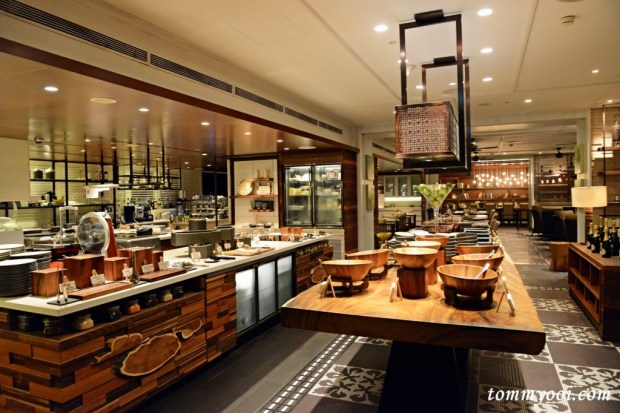 Waterfall Cafe, Shangri La Singapore