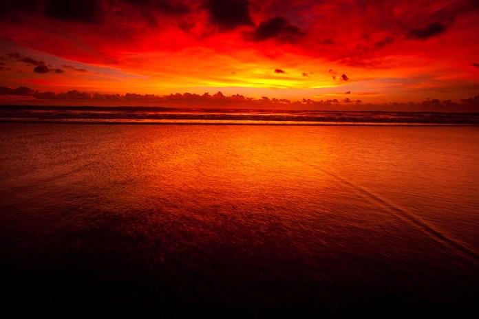 Indian Ocean Lights: Best Sunset I've Seen at Kuta Beach