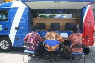 Pemkot Tomohon Raih USO Award dan Mobil Internet