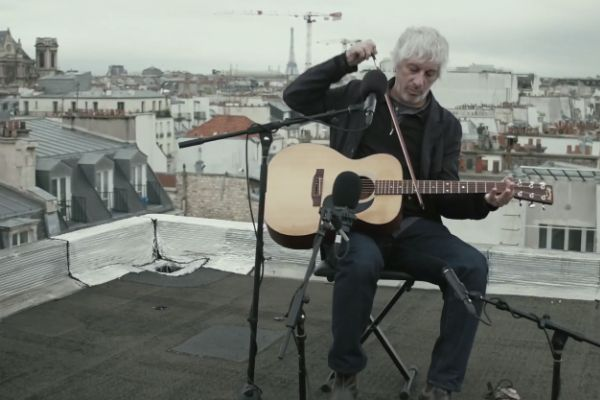 lee-ranaldo-paris-roof
