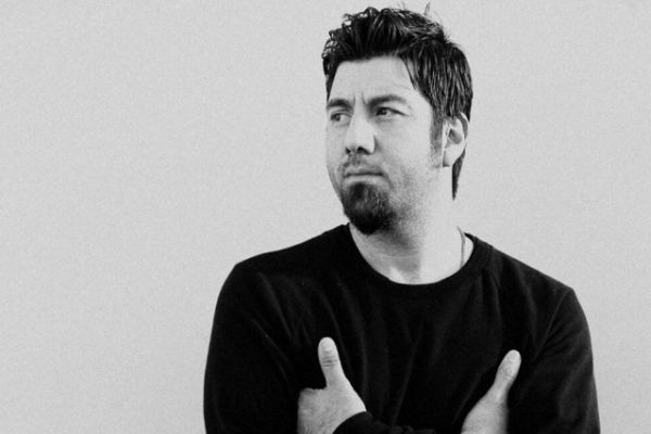 "Chino Moreno, ascolta ""Brief Exchange"" dalla colonna sonora di ""Dark Nights"""