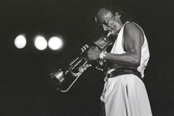 miles-davis-1985