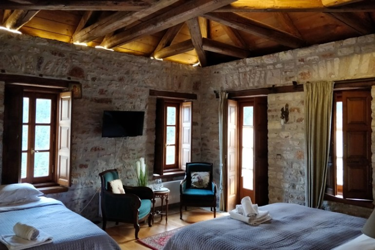 bedroom ideas rustic bedroom decor ideas - Rustic Bedroom Decor