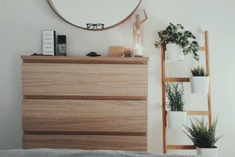 How To Arrange A Dresser