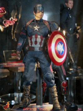 hot-toys---marvel-exhibits-at-toysoul-2015-3--163259