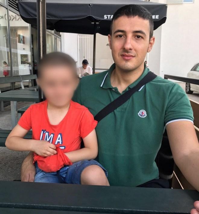 L'ultimo selfie di Bruno a Barcellona, insieme con il figlio Alessandro