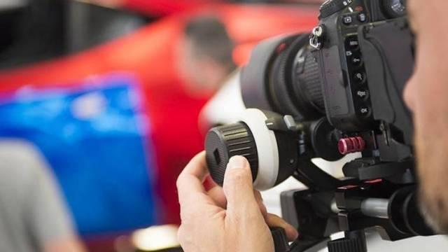 Creare video con la fotocamera Reflex