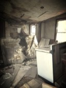 Abandoned-Home-With-An-Unplayed-Piano-2
