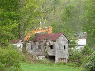 Abandoned-House-Being-Demolished