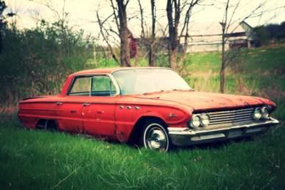 Dead-Car-In-A-Farm-Field