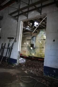 abandoned-gas-station-11