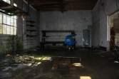 abandoned-gas-station-15