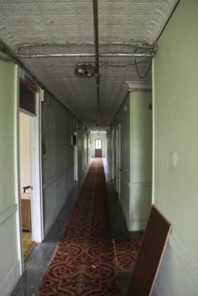 adler_guest-hallway-6_5817789051_o_31