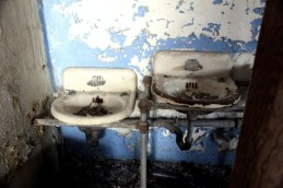old_lodge_two-sinks-are-better-than-one_5633081867_o_54