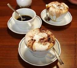 """24092009: """"3 Cappuccini"""", il barista ci guarda con aria stravolta, """"li abbiamo finiti"""""""
