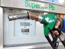 140313_distributore_benzina