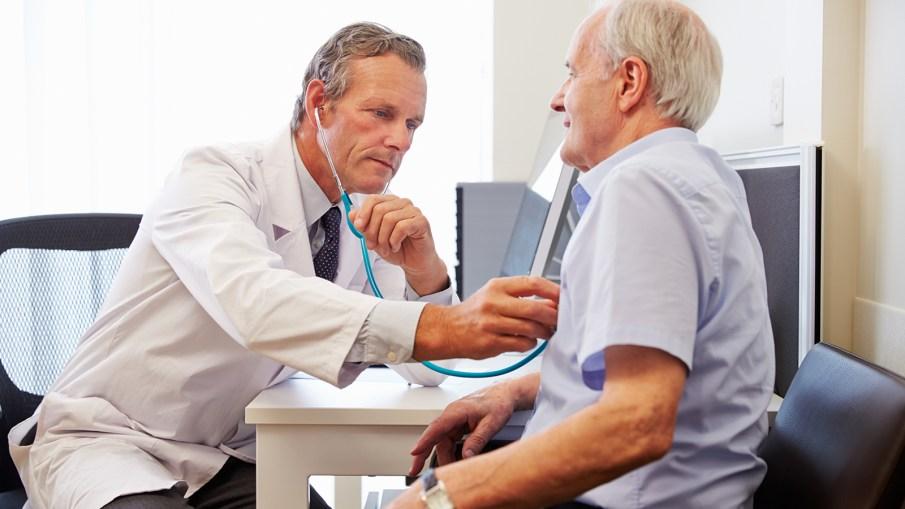 Perchè in ambito medico si dice visitare una persona