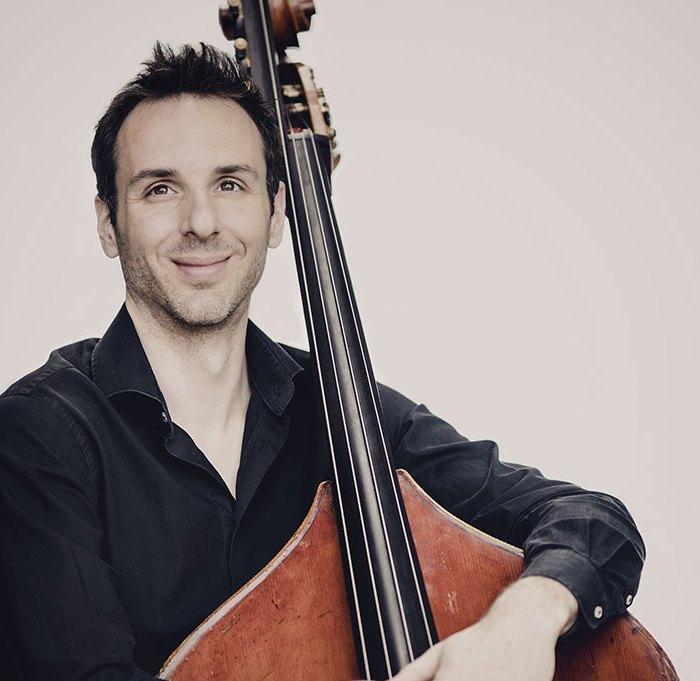 Olivier Thiery Contrebassiste participe au festival Tons Voisins 2021 à Albi.