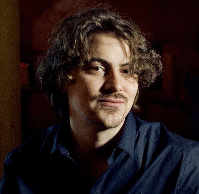 Tristan Raes pianiste participe au festival Tons Voisins 2021 à Albi.