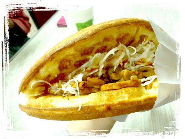 【臺北新莊】輔大心園鬆餅!好幾年來堅持不漲價的超人氣校園美食! @猴屁的異想世界