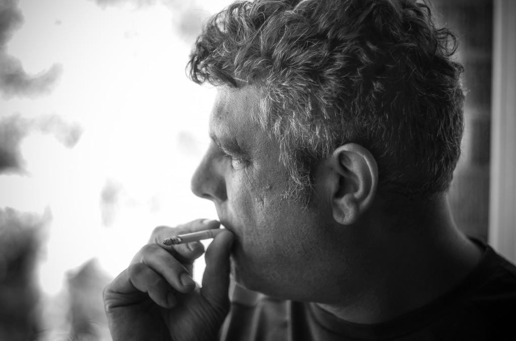 Micky Hohl Smoking