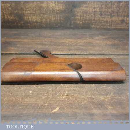 Antique 18th Century Higgs c1785-1827 Right Side Round Beechwood Moulding Plane