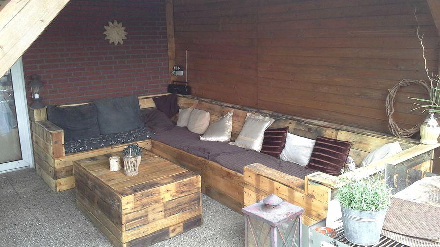 holzschwarten sichtschutz garten selber bauen. Black Bedroom Furniture Sets. Home Design Ideas