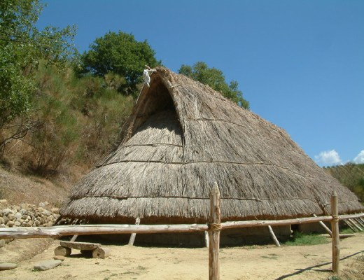 Prehistoric House at gli Albori