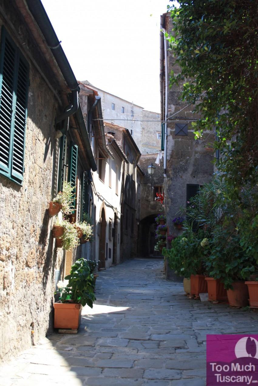 Streets in Sorano