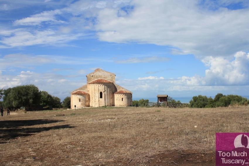 Romanesque Church of San Maria, Devia