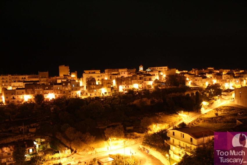 Vico del Gargano by night