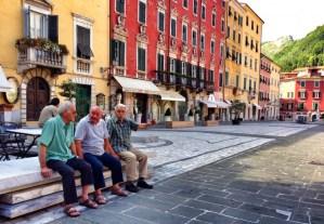 Grandpas in talking in Carrara