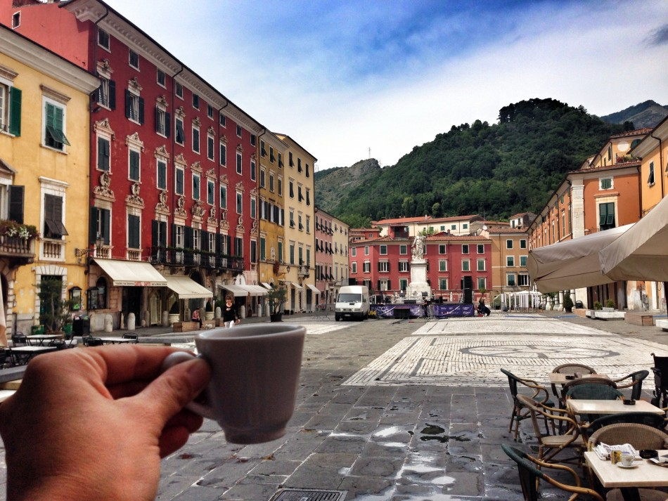 Coffee with view in Carrara