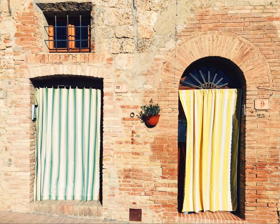 Biking in Tuscany - Doors in San Gimignano