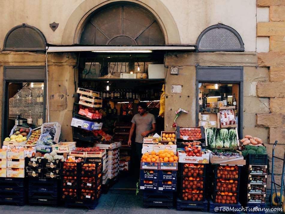 Grocery shop in Oltrarno