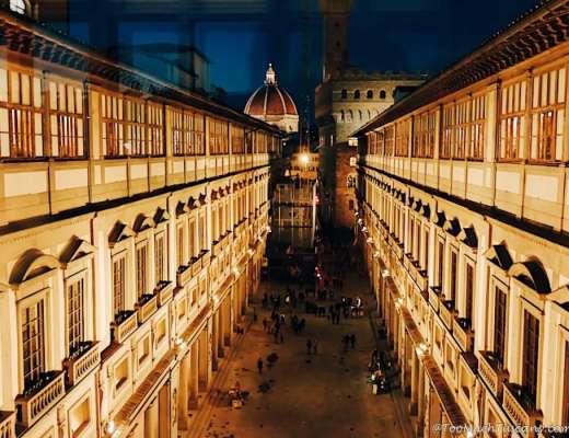 The Uffizi Gallery by night