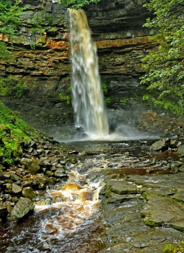 Long-drop waterfall