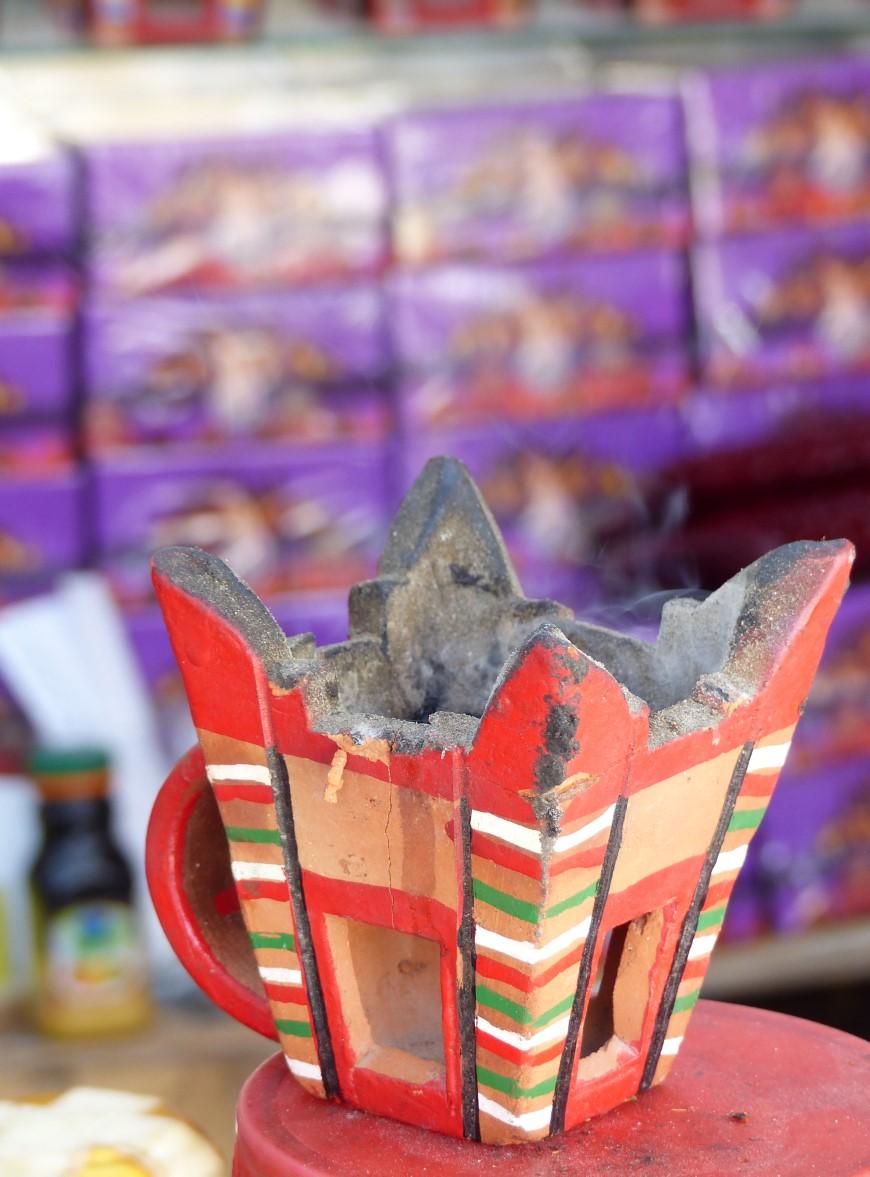 Red pottery incense burner