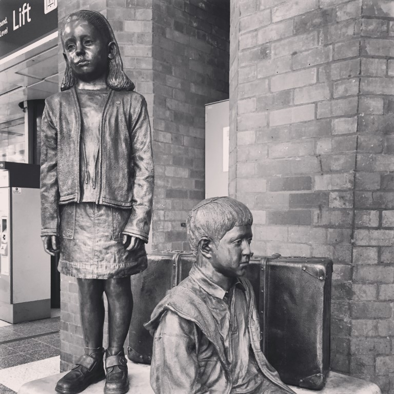 Statue of two young children