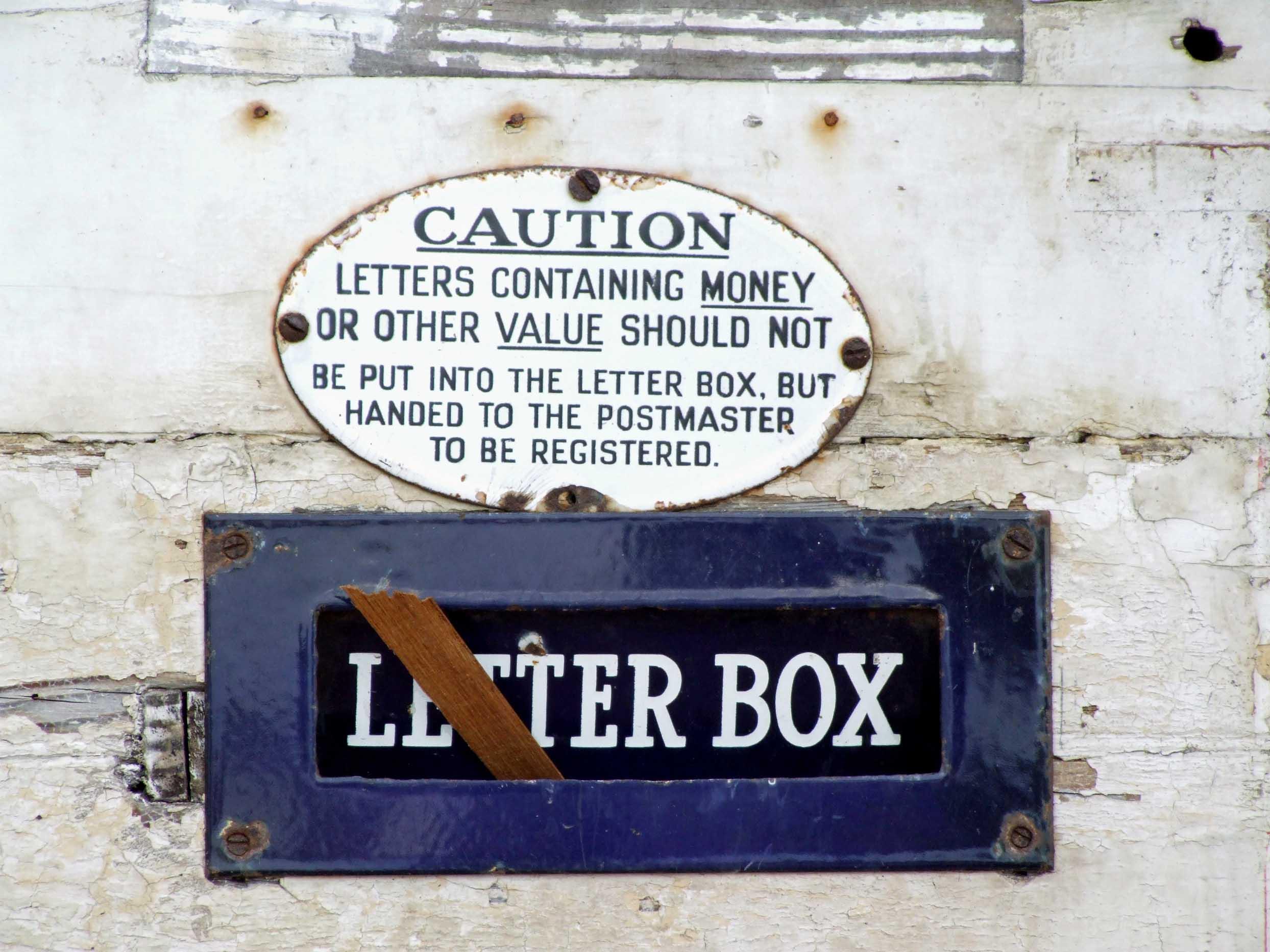Sealed-up letter box