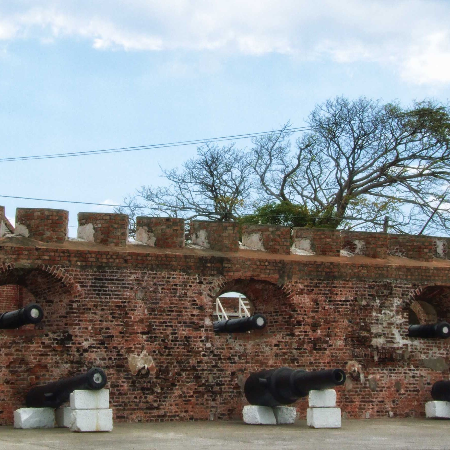 Brick battlements with cannons